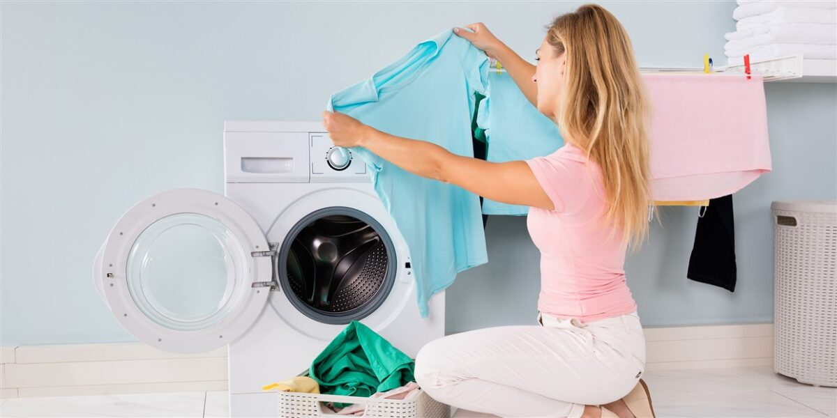 How to shrink clothes yourself at home without damaging?