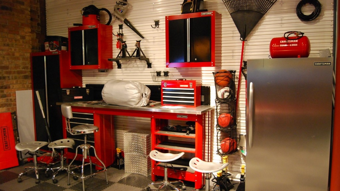 Different Types of Garage Shelving2