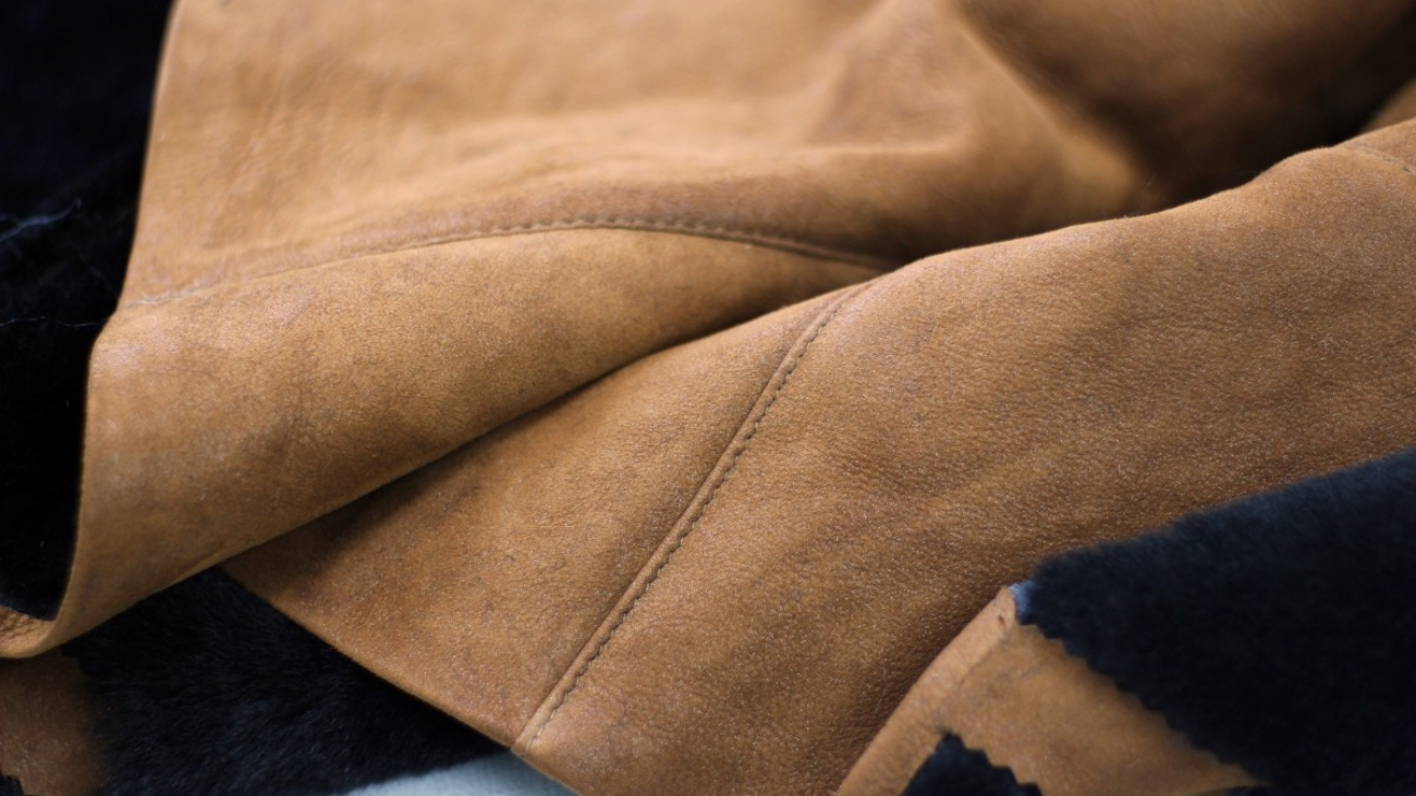 Six Ways to Wear a Suede Jacket2